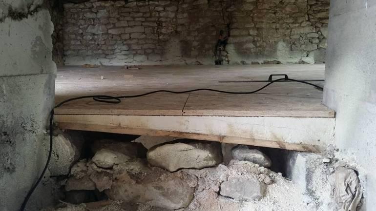Isoler un plancher bois centenaire en mousse polyuréthane