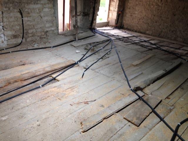 Isoler un plancher bois centenaire - Rénovation