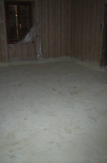 Isolation d'une maison ancienne en mousse polyuréthane